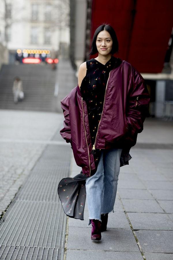 O modelo de nylon, usada com o duo jeans e botas, também é eficiente (Foto: imaxtree)