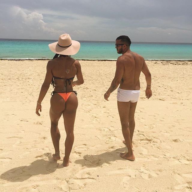 Gracyanne Barbosa exibe bumbum empinado e Belo é criticado (Foto: Reprodução)