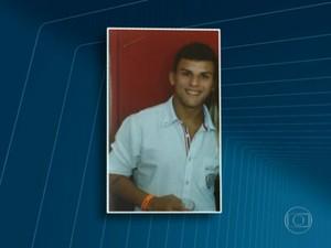 Renan Menezes está foragido (Foto: Reprodução / Globo)