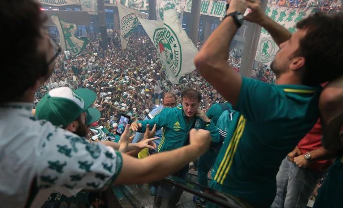 Cuca Palmeiras Congonhas torcida (Foto: Alex Silva/Estadão Conteúdo)