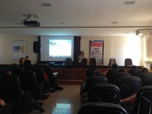 Encontro discutiu propostas que serão entregues para Ministério das Cidades (Foto: Fabiana Figueiredo/G1)