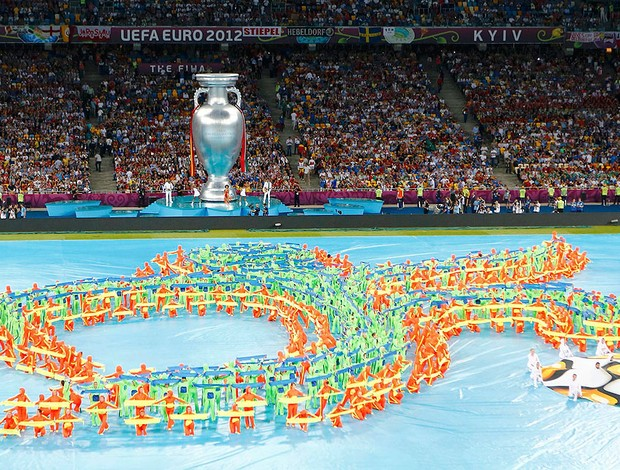 festa de abertura da final da Eurocopa Espanha x It&#225;lia (Foto: Reuters)