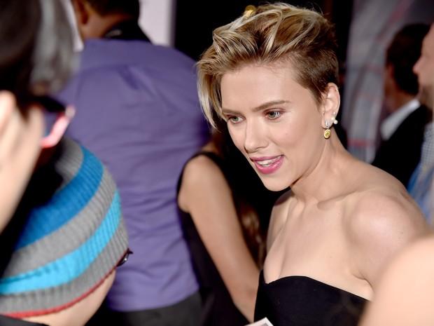 Scarlett Johansson em première em Los Angeles, nos Estados Unidos (Foto: Kevin Winter/ Getty Images/ AFP)