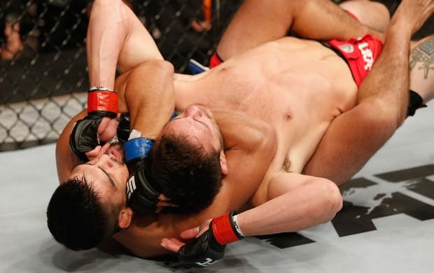Kelvin Gastelum Jake Ellenberger UFC 180 (Foto: Josh Hedges/Zuffa LLC)