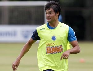 Pedro Ken, meia do Cruzeiro (Foto: Washington Alves / Vipcomm)