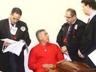 Após depoimento de delegada, juíza encerra 1º dia do júri de Bola