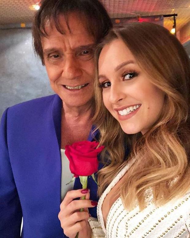 Carla Diaz e Roberto Carlos (Foto: Reprodução/Instagram)
