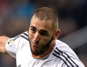 Benzema gol Real Madrid contra Celta (Foto: AFP)