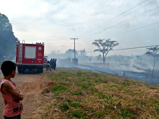 Moradores afirmam que todos os anos área é incendiada (Foto: Veriana Ribeiro/G1)