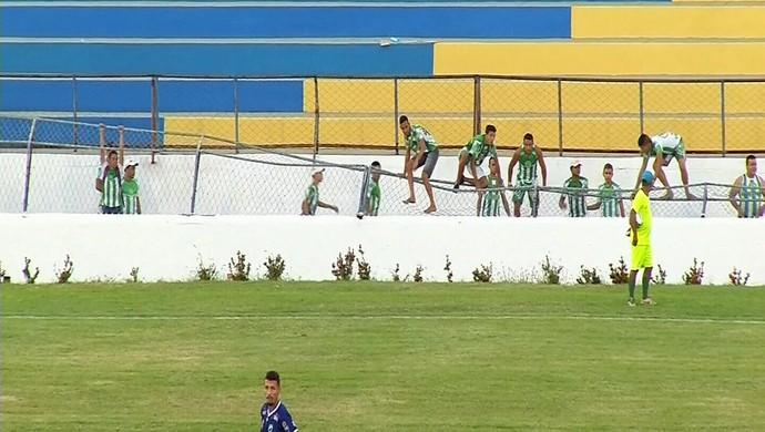 Icasa, alambrado, torcida, Romeirão (Foto: Reprodução/ TV Verdes Mares)