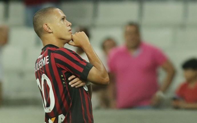Marcos Guilherme Atlético-PR Londrina (Foto: Giuliano Gomes/PR PRESS)