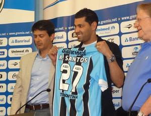 André Santos é apresentado no Grêmio (Foto: Hector Werlang / GLOBOESPORTE.COM)