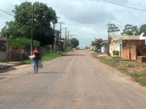 Caso aconteceu na 16ª avenida do bairro Congós, em Macapá (Foto: Jéssica Alves/ G1)