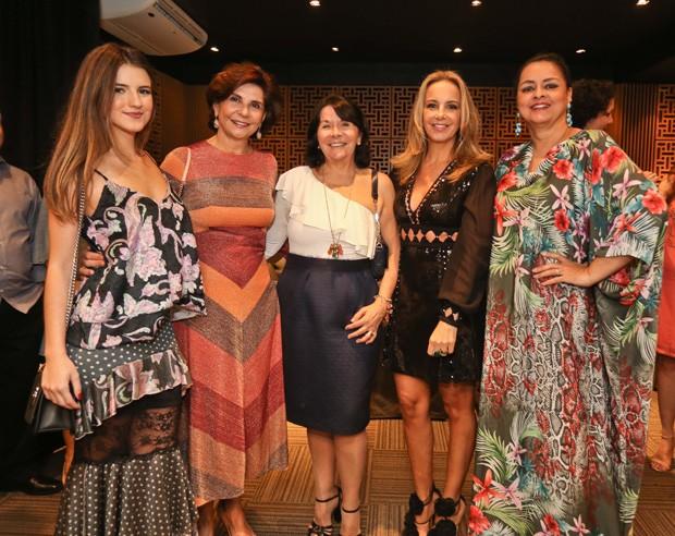 Isabella Brandalize, Marcia Meccia, Marta Caloula, Larissa Bicalho e Ana Paula Magalhães (Foto: Divulgação)