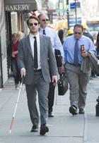 Charlie Cox, de 'Demolidor', fala das dificuldades de viver um cego na série