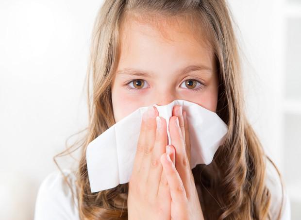 Sangramento nasal é comum em crianças e geralmente não é grave (Foto: Thinkstock)