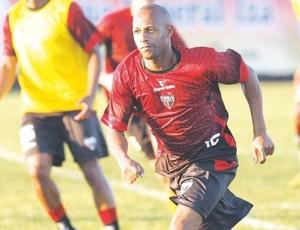 Joilson, meia do Atlético-GO (Foto: Cristiano Borges / O Popular)