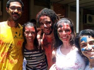 Alunos passam pelo trote na matrícula da Unicamp, em Campinas  (Foto: Marcello Carvalho/G1)