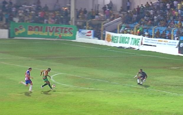 Edgar fez segundo gol do Sampaio contra Maranhão na decisão do Estadual 2012 (Foto: Reprodução/TV Mirante)