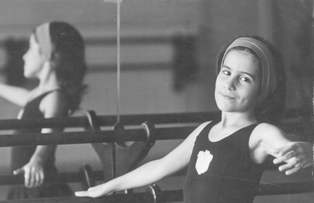 Aos 8 anos, Gloria Pires participou da novela 'Selva de pedra' Arquivo