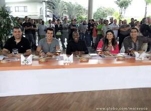 Celebridades avaliam as coxinhas (Foto: Mais Você / TV Globo)