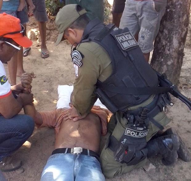 Polícia Militar foi acionada, prestou os primeiros socorros, mas o homem não resistiu (Foto: Divulgação/Polícia Militar de Alenquer)