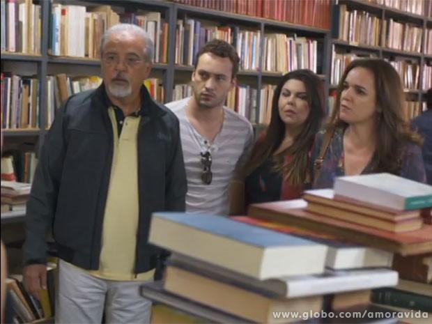 Neide desaprova a relação de Linda com Rafael (Foto: Amor à Vida/TV Globo)