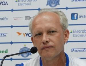 Mauro Ovelha é demitido do cargo de treinador do Avaí (Foto: Divulgação/Alceu Atherino)