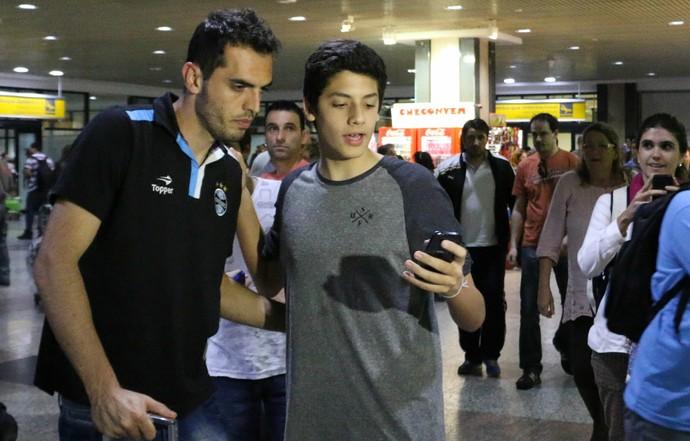 grêmio rhodolfo zagueiro chegada  (Foto: Diego Guichard/GloboEsporte.com)