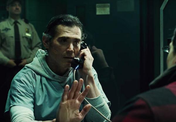 O flash visita o pai na prisão em cena de 'Liga da Justiça' (Foto: Reprodução)