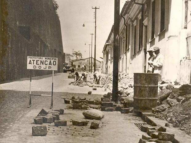 Reforma na Ladeira da Montanha na década de 60. (Foto: Fundação Gregório de Mattos/ Divulgação)