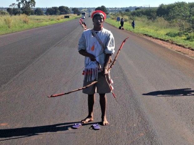 Indígenas ocupam rodovia em Mato Grosso do Sul (Foto: Fabiano Arruda/ G1 MS)