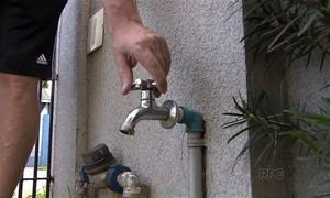 Rompimento de adutora interrompe fornecimento de água em Arapongas