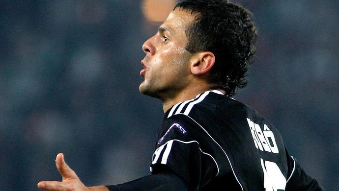 Bobo comemora gol do Besiktas (Foto: AP)