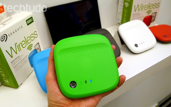 Seagate Wireless pode ir na sua mochila e criar uma rede wi-fi com conteúdo (Foto: Fabrício Vitorino / TechTudo)