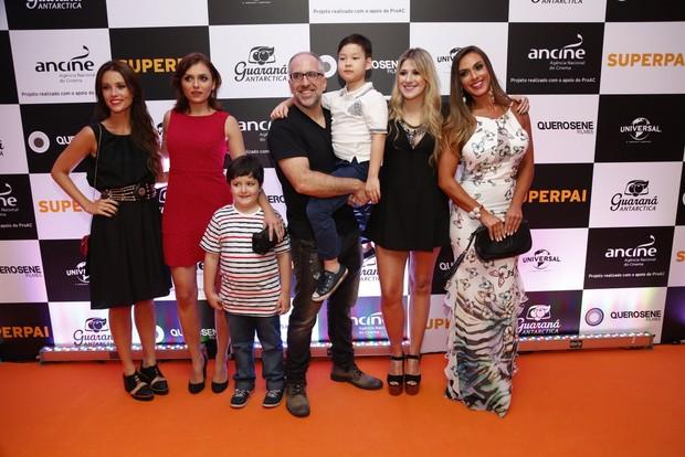 Elenco do filme Superpai, em sessão para convidados no Rio (Foto: Felipe Assumpção/Ag News)