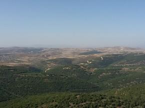 Fronteira de Israel com o Líbano é observada de perto pelo exército israelense (Foto: Letícia Macedo/G1)
