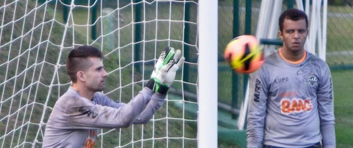 Victor; Giovanni; Atlético-MG; Cidade do Galo; treino (Foto: Bruno Cantini / Site Oficial do Atlético-MG)