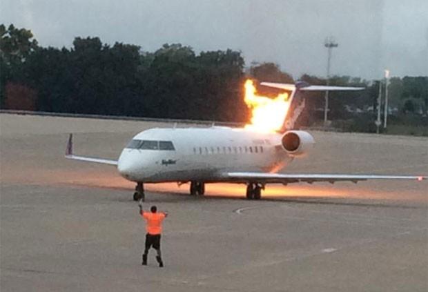 [Internacional]   Avião pega fogo em aeroporto de Nashville, nos EUA Sem-titulo-2