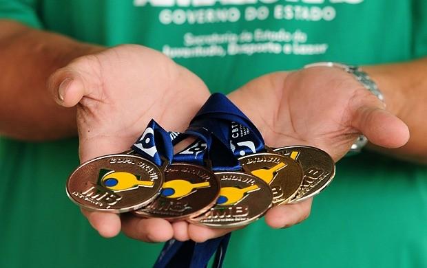 medalhas goutier rodrigues paratleta amazonas (Foto: Michael Dantas /Sejel)