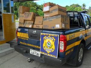 Medicamentos foram apreendidos pela PRF após denúncia anônima (Foto: Divulgação/PRF)