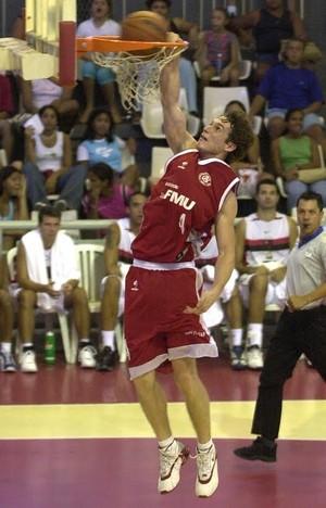 Marcelo Huertas (Foto: Alexandre Vidal/Divulgação)