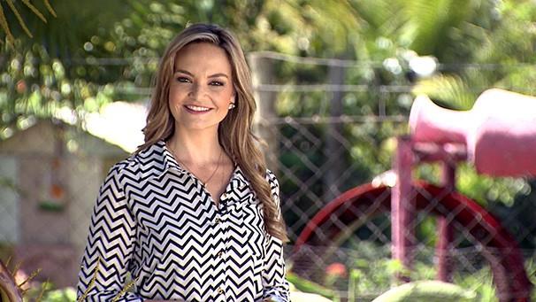 Vivian Padovan apresenta o Fronteira do Brasil (Foto: Reprodução/TV Fronteira)
