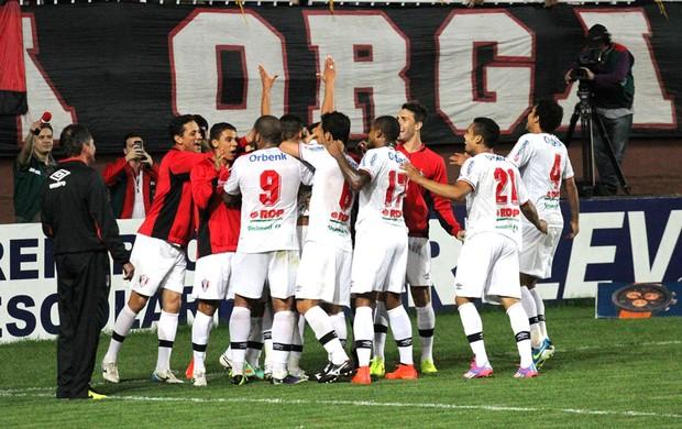 Joinville comemora gol contra o Paraná (Foto: José Carlos Fornér/JEC)