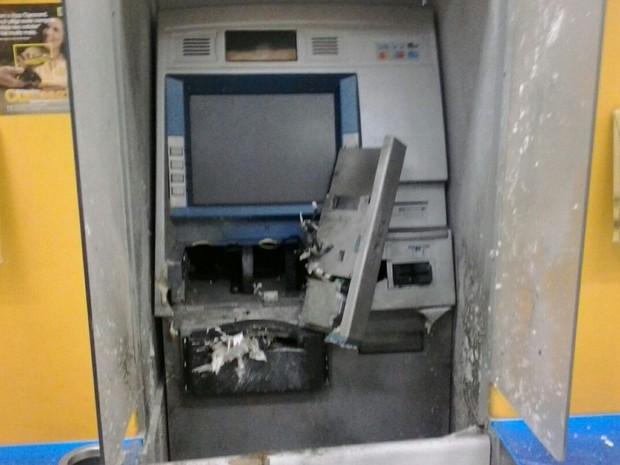 Suspeitos não conseguiram levar dinheiro de aparelho, diz PM (Foto: Divulgação)