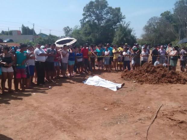 Prefeito de Elias Fausto foi encontrado morto em terreno nesta sexta (Foto: Edijan Del Santo/ EPTV)