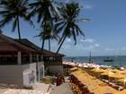 Órgãos ambientais fecham barracas na Praia do Francês, em Alagoas