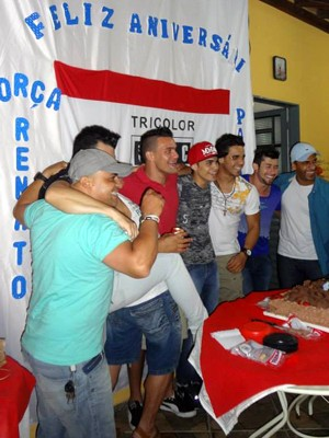 Renato na festa organizada pelos amigos (Foto: Renato Junior/Arquivo pessoal)