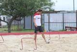 Cláudio Winck acelera recuperação de lesão e trabalha na caixa de areia