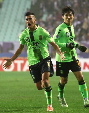 Leonardo Jeonbuk FC (Foto: AFP)